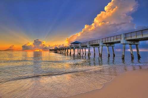 juno-beach-pier-glorious-sunrise