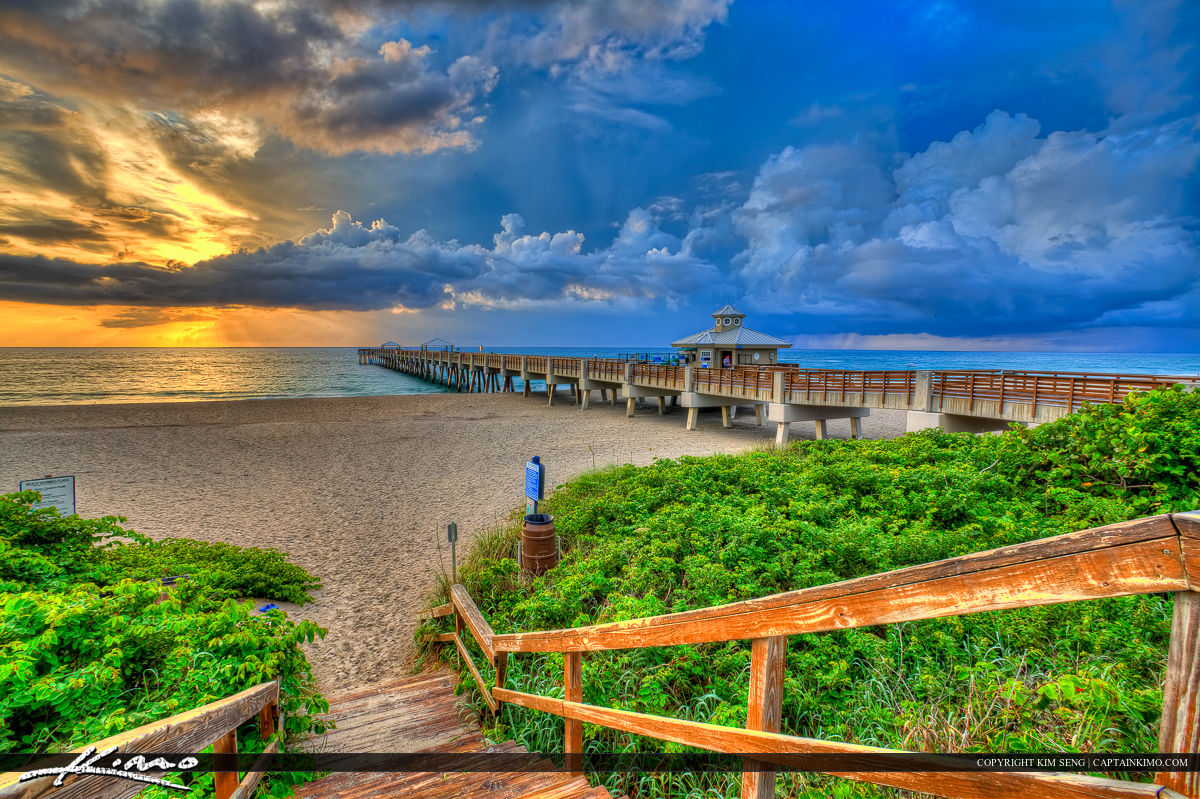 Amazing Cloud Formation at Juno Beach Pier