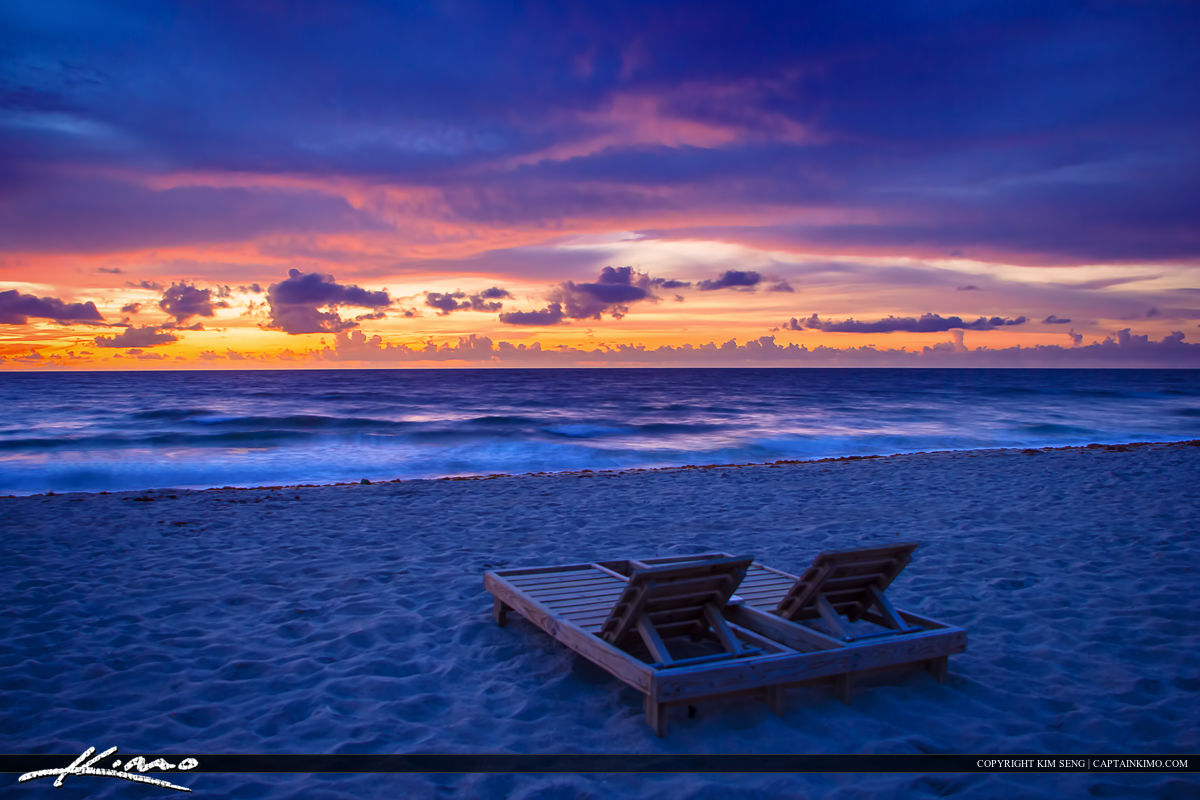 Beach chairs at deerfield by the fishing pier broward county for Deerfield beach fishing pier