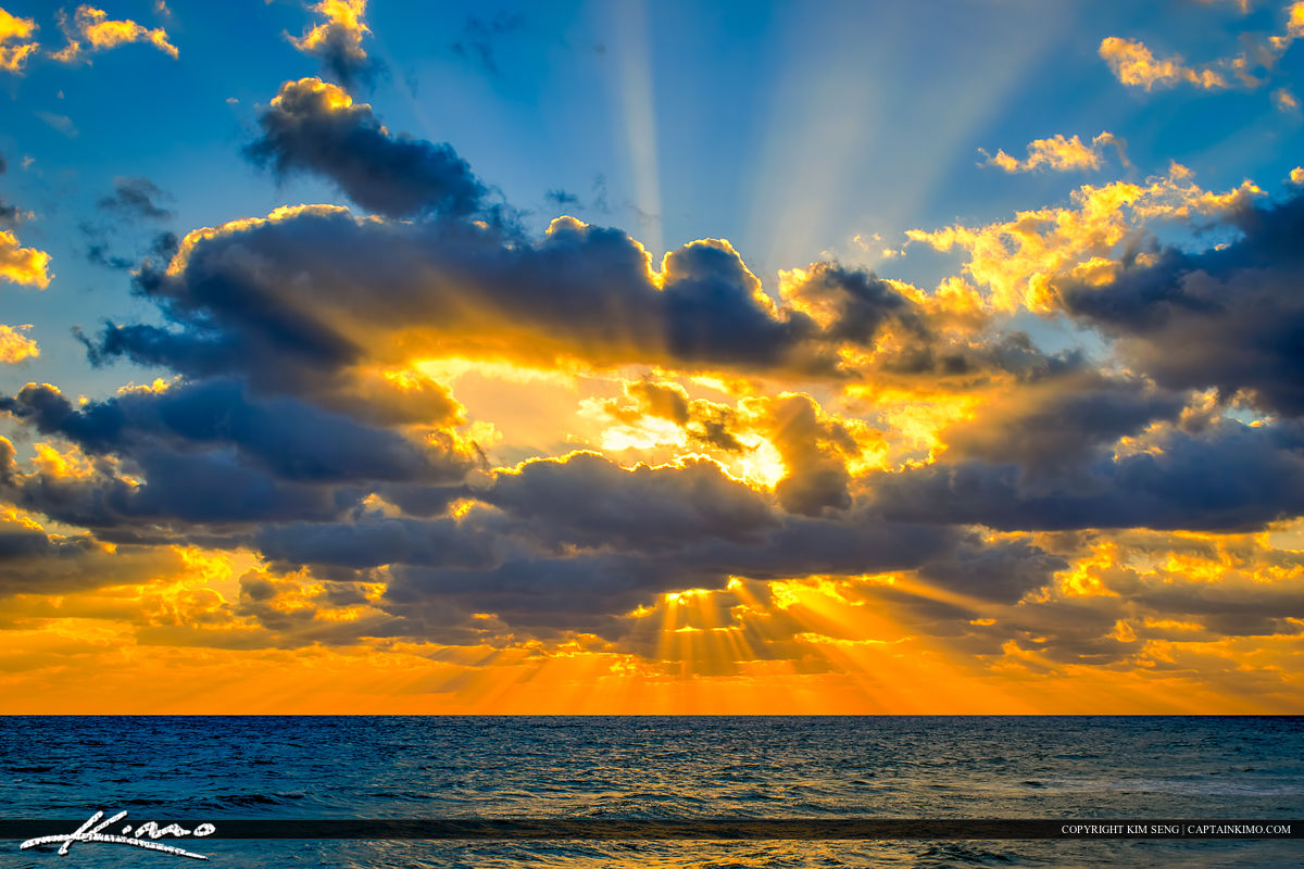 Sunrays Over Atlantic Ocean Through Clouds: captainkimo.com/sunrays-over-atlantic-ocean-through-clouds