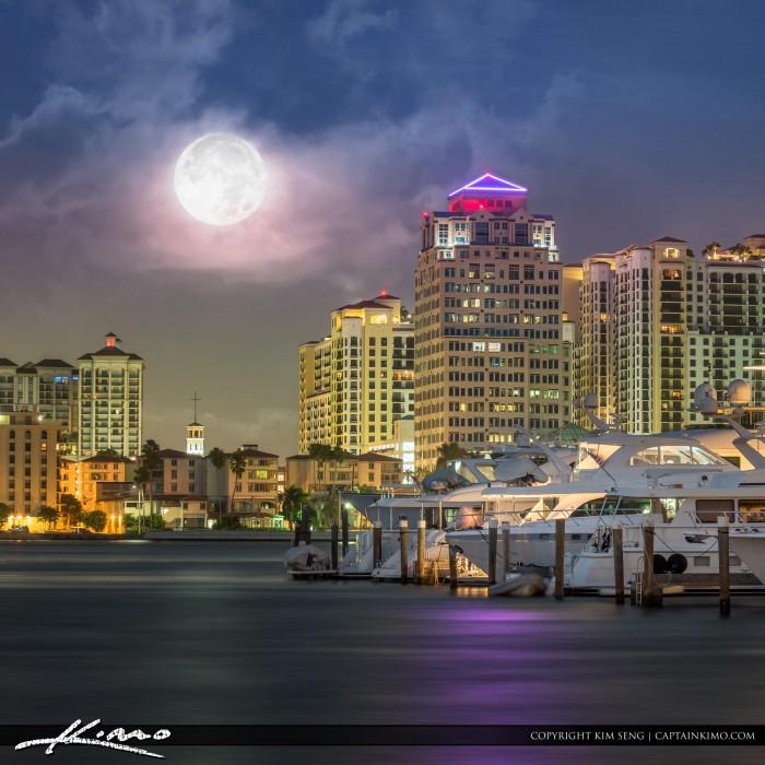 Full Moon West Palm Beach