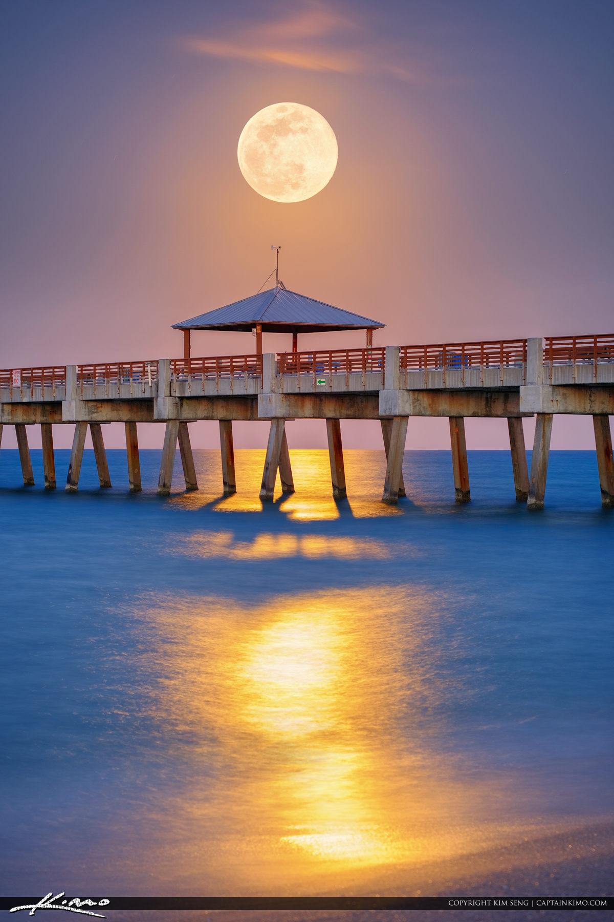 Full Moon Rise Juno Beach Pier May 2017