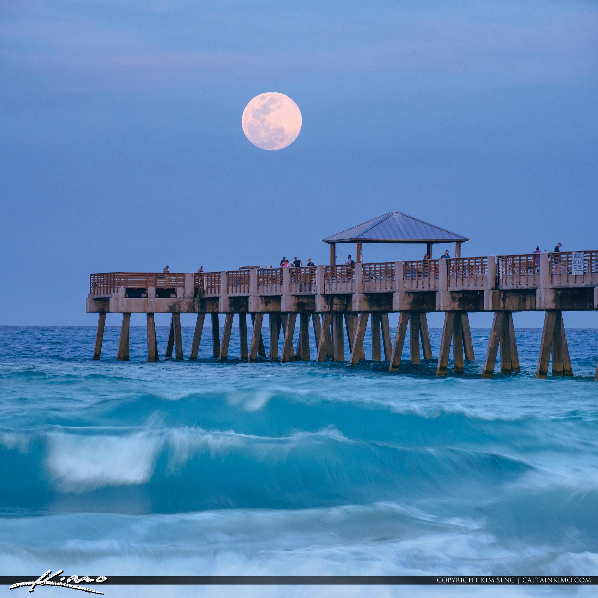 Juno Beach Pier Bluewater Moon Rise Atlantic Ocean