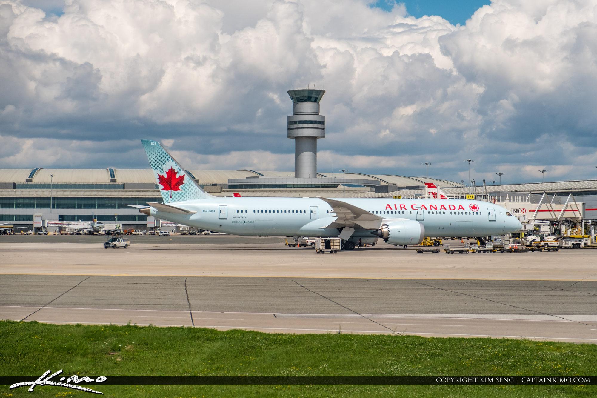Toronto Pearson International Airport Aur Canada Control Tower