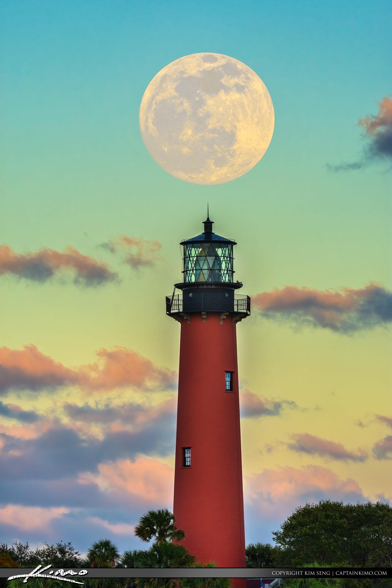 Jupiter Inlet Lighthouse Moonrise 2020 January 9